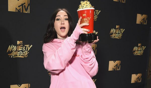 Noah Cyrus Hopes Her 'Energy Will Be Contagious' at MTV Movie & TV Awards